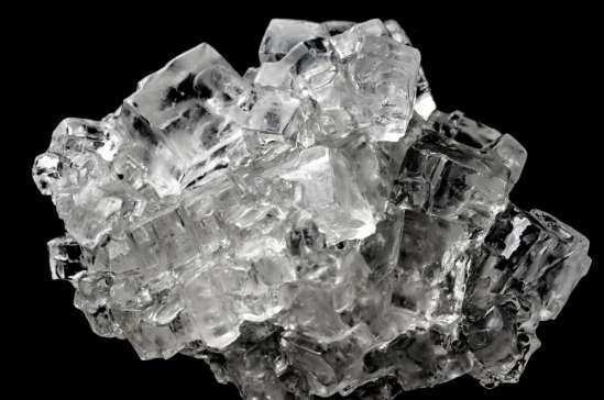 Кристалл – это твердое тело, имеющее атомное или молекулярное строение