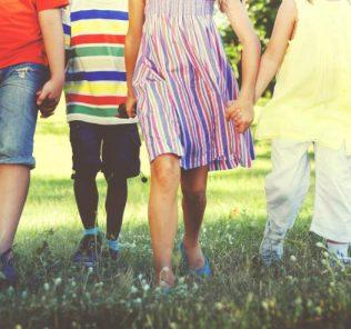 Родительские права: понятие, вступление в права, установление отцовства и ответственность