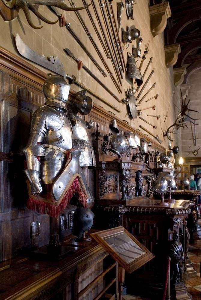 Интерьер средневекового замка: описание с фото, разновидности стиля и интерьерные решения в современной квартире