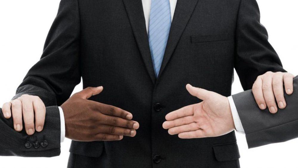 «Толмач» — это про умение договориться
