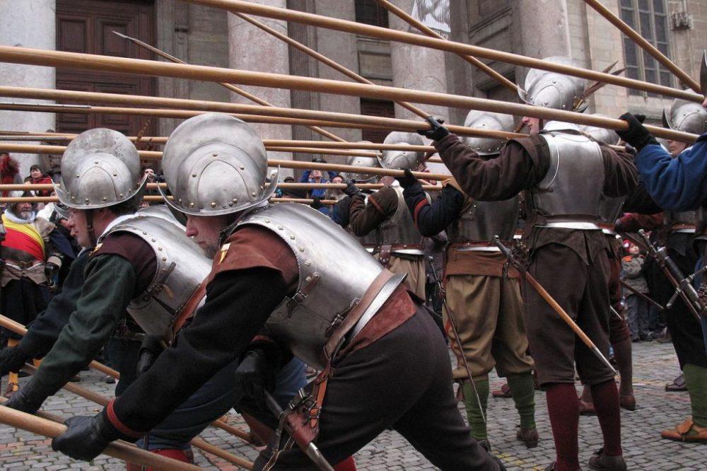 Армия Ватикана: история, современное состояние, численность и вооружение. Швейцарская гвардия